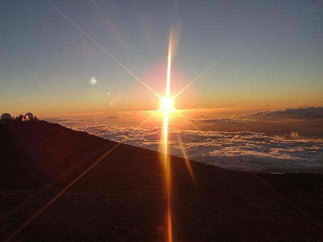 マウイ島のハレアカラ山頂で見るなら <br />サンライズとサンセット、どっち?