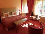 百塔の街・プラハにきらめくラグジュアリーホテル
