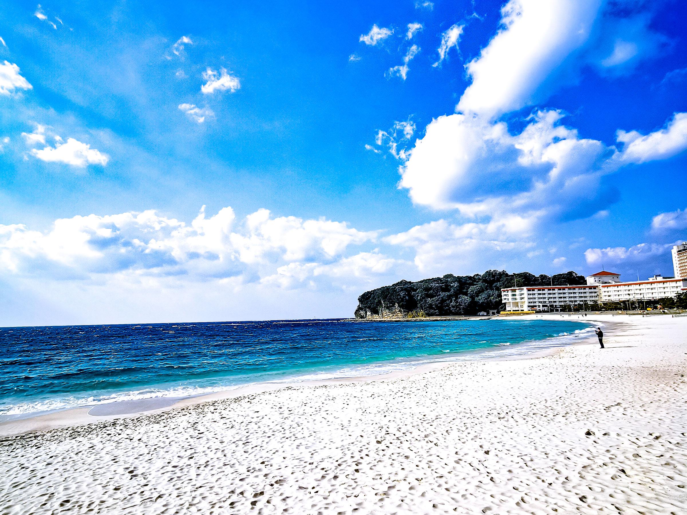 【和歌山県】夏の絶景・風物詩5選 南国ムード漂う美しい白砂の浜