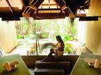 身も心も溶ける「緑の島、スリランカ」でうけるアーユルヴェーダ