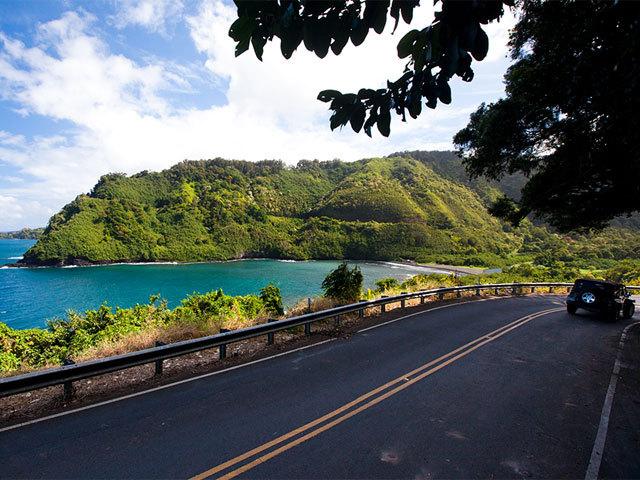 マウイ島東海岸の天国みたいな町 <br />ハナを目指して絶景ドライブ!