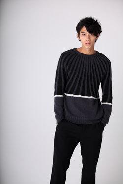 セーターの賀来賢人